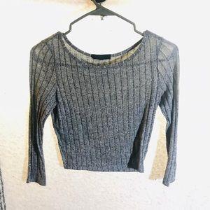 Soft gray 3/4 sleeve crop top